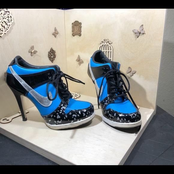 ea0eeb745960 Nike Swoosh Fashion Heels. M_5bfc5afbc9bf50307021cfed